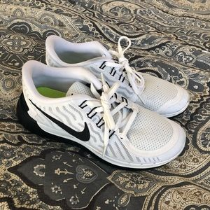 Nike Shoes - AUTHENTIC NIKE RUNNING SNEAKERS 8.5